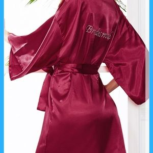 🆕️Bridesmaid robe with 2 bride squad glasses
